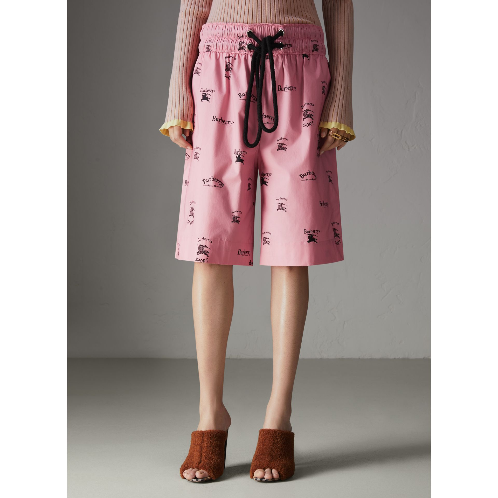 Archive Logo Print Stretch Cotton Drawcord Shorts in Pink - Women | Burberry Hong Kong - gallery image 4