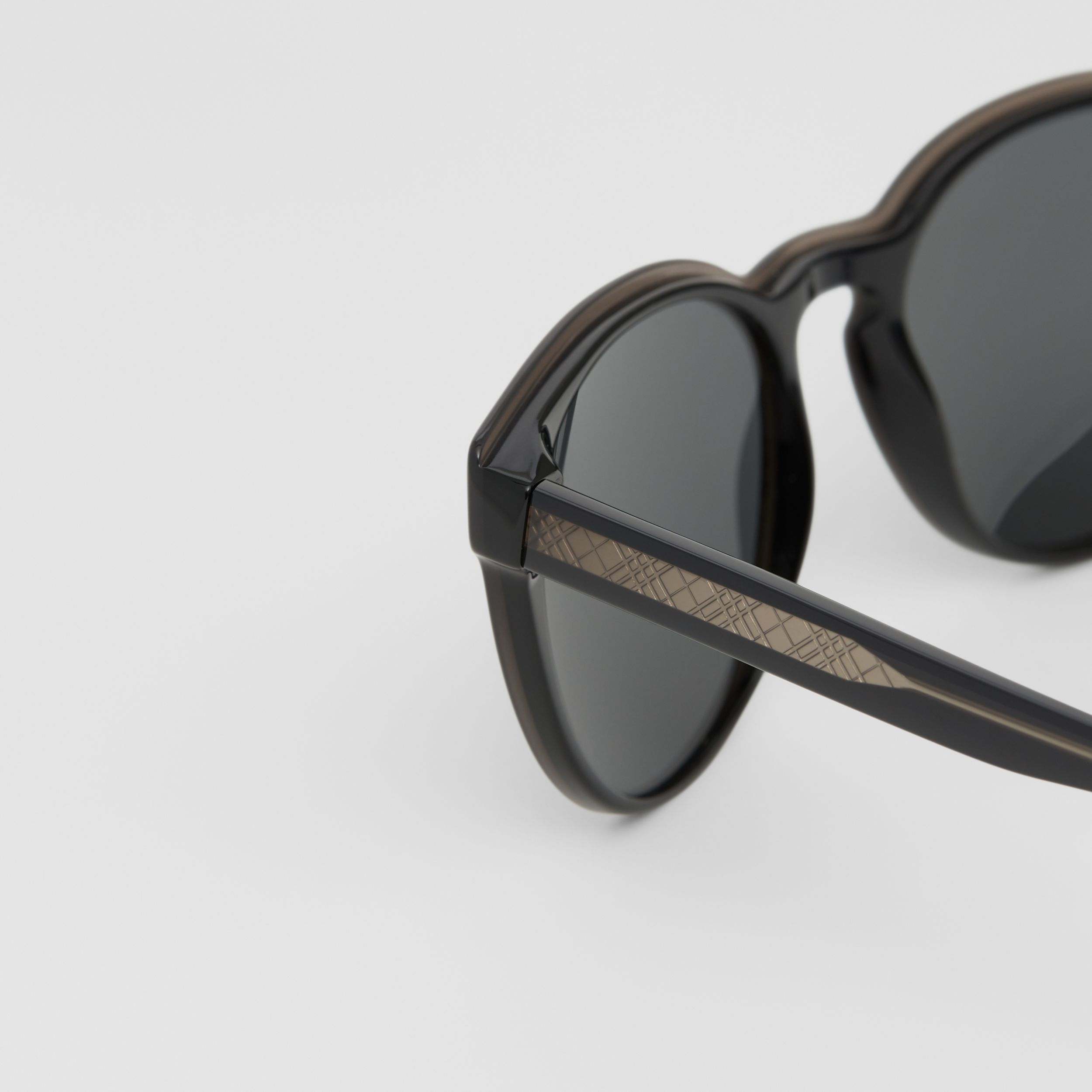 Round Frame Sunglasses in Black - Men | Burberry - 2