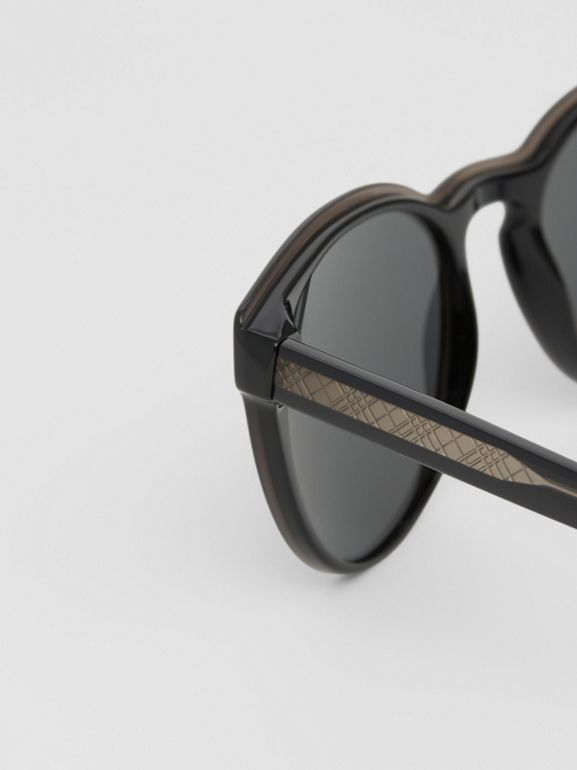 Round Frame Sunglasses in Black - Men | Burberry - cell image 1