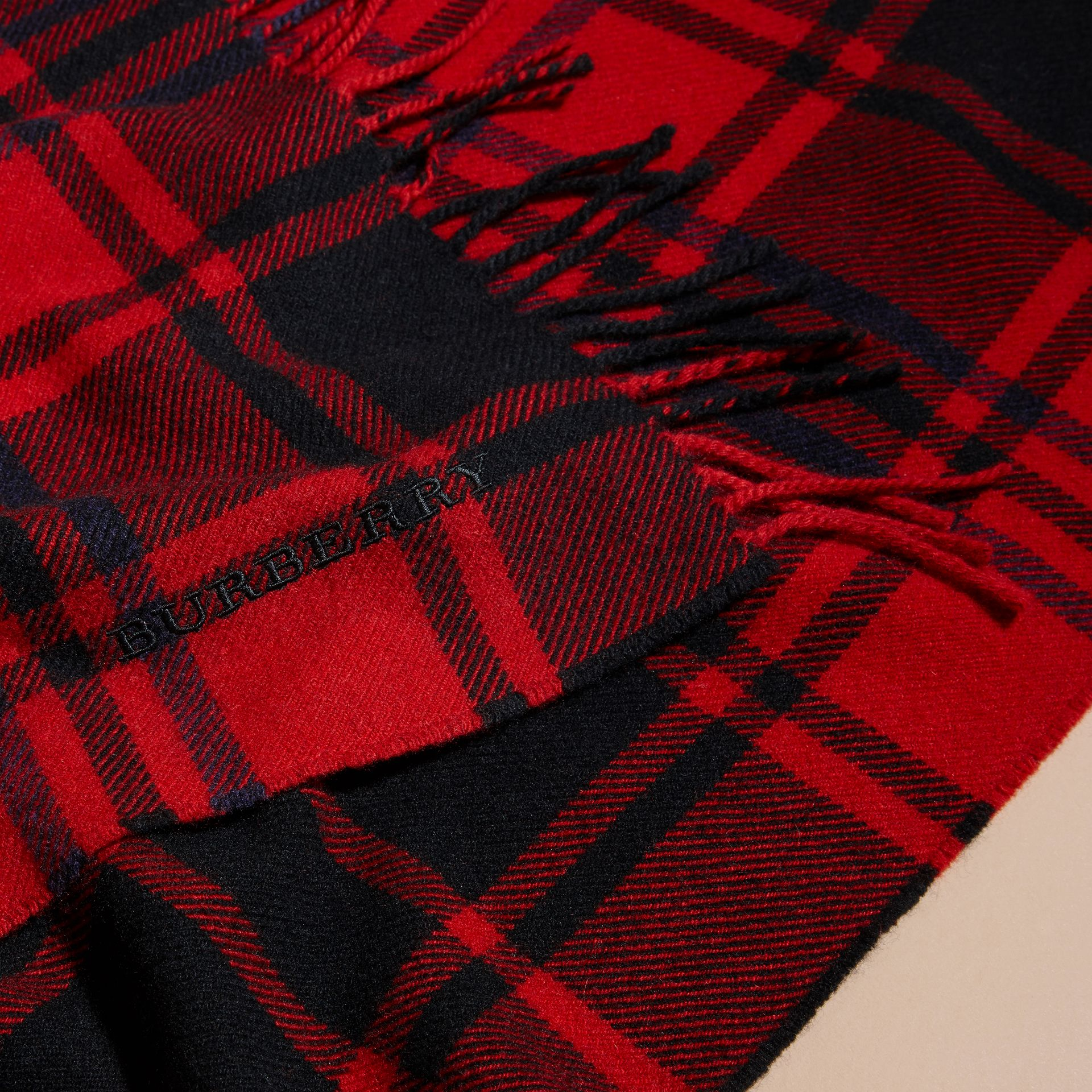 Parade red Oversize Tartan Wool Cashmere Fringe Scarf Parade Red - gallery image 2