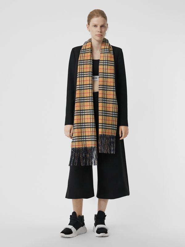 Long Reversible Vintage Check Double-faced Cashmere Scarf in Blue Carbon | Burberry Australia - cell image 2