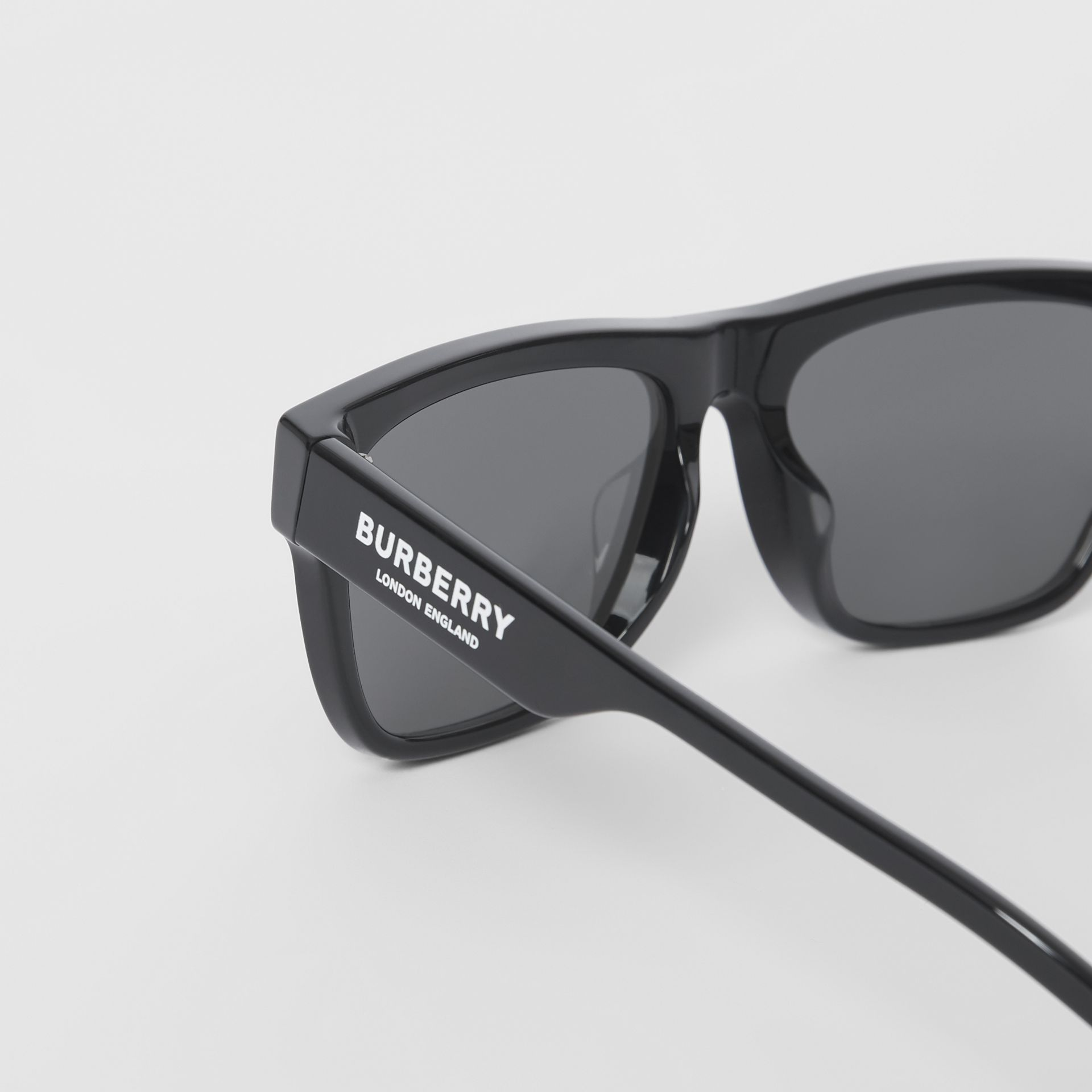 Square Frame Sunglasses in Black - Men | Burberry Canada - gallery image 1