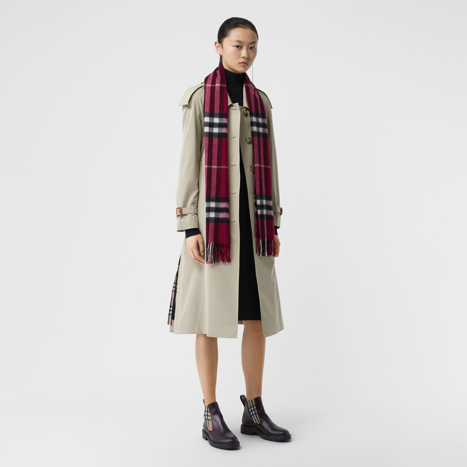 The Classic Check Cashmere Scarf in Plum | Burberry United Kingdom - gallery image 1