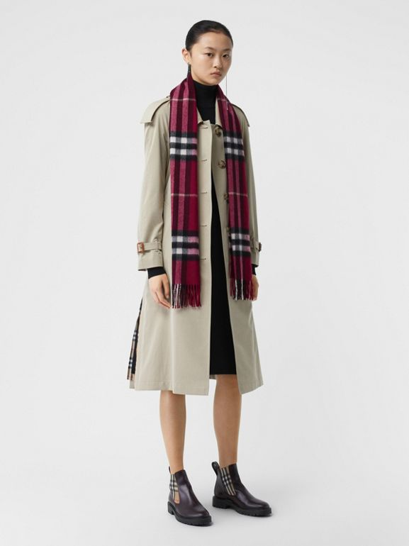 The Classic Check Cashmere Scarf in Plum | Burberry - cell image 1