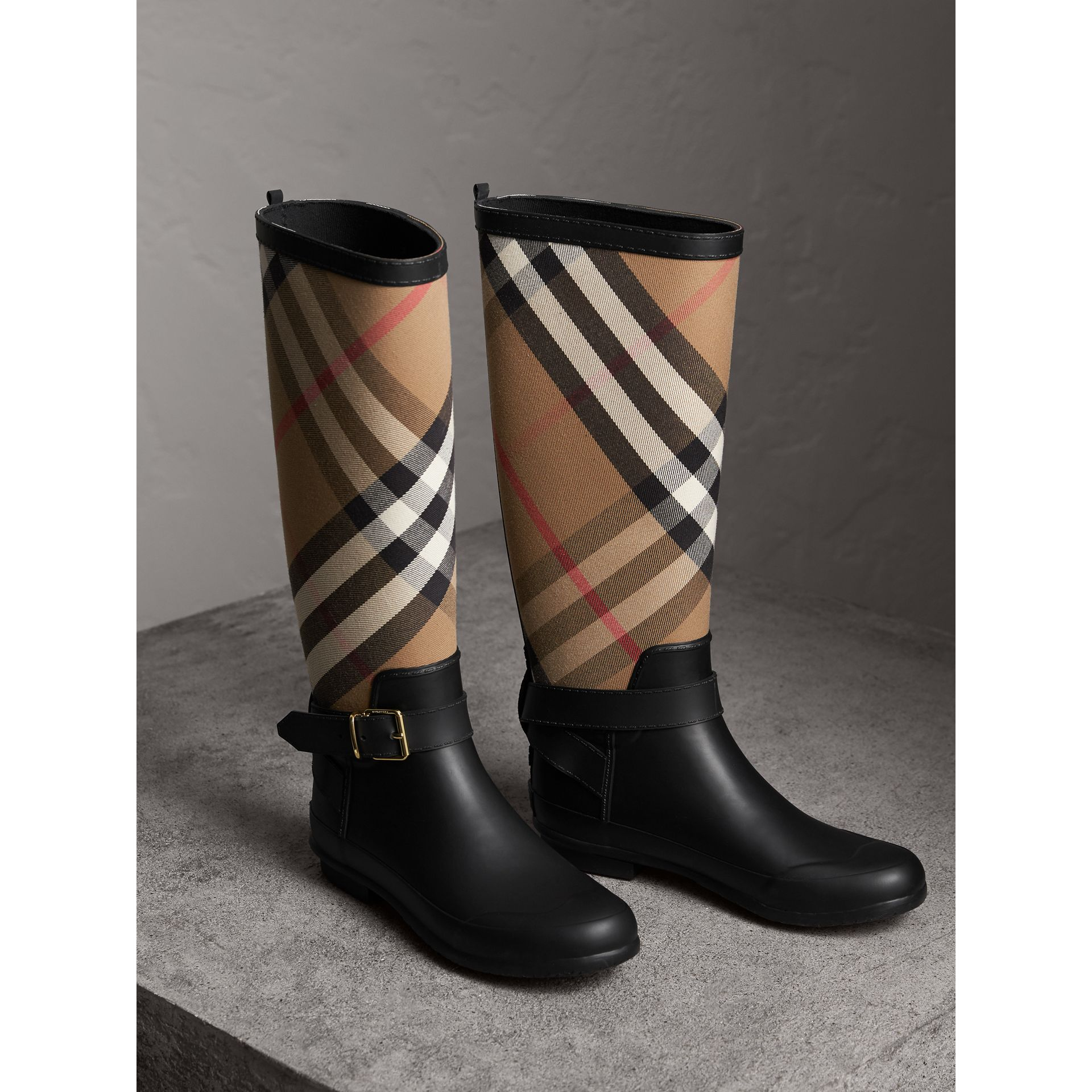 d67ccb1de7b04 Belt Detail Check and Rubber Rain Boots in House Check/black - Women |  Burberry