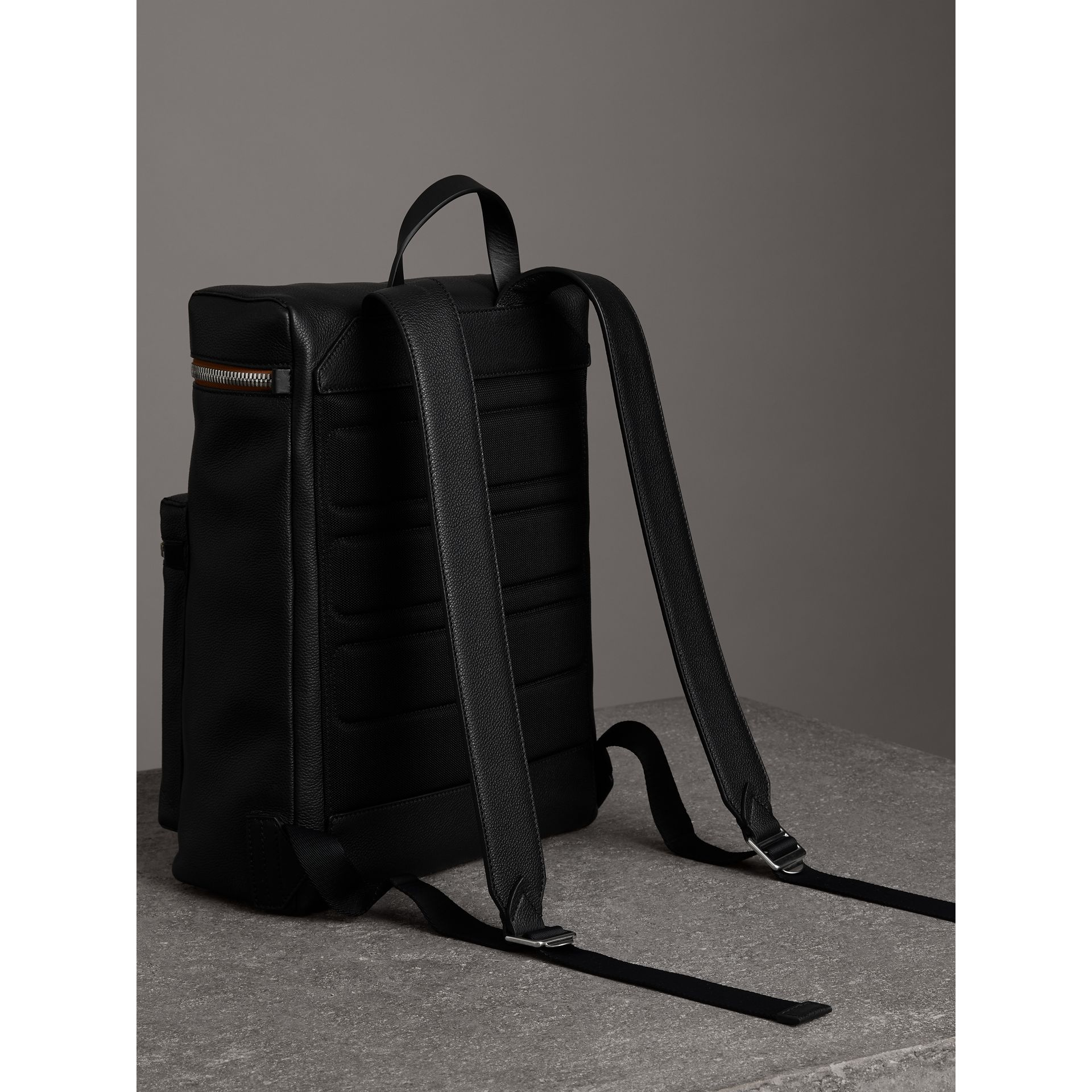 Zip-top Leather Backpack in Black - Men | Burberry Canada - gallery image 4