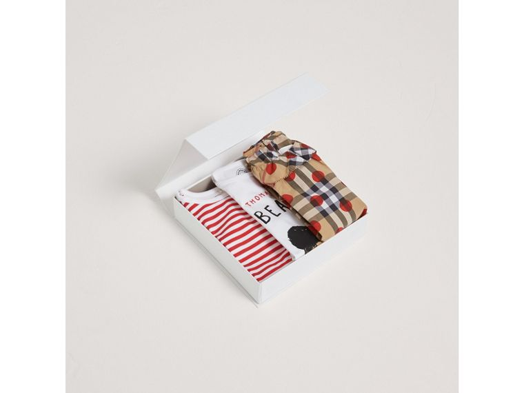 Cotton Three-piece Baby Gift Set in Military Red | Burberry - cell image 2