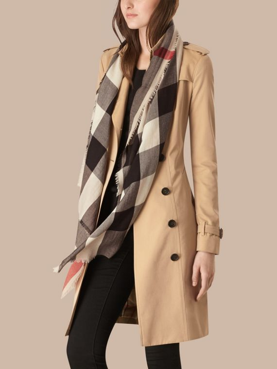 Stone The Lightweight Cashmere Scarf in Check Stone - cell image 2