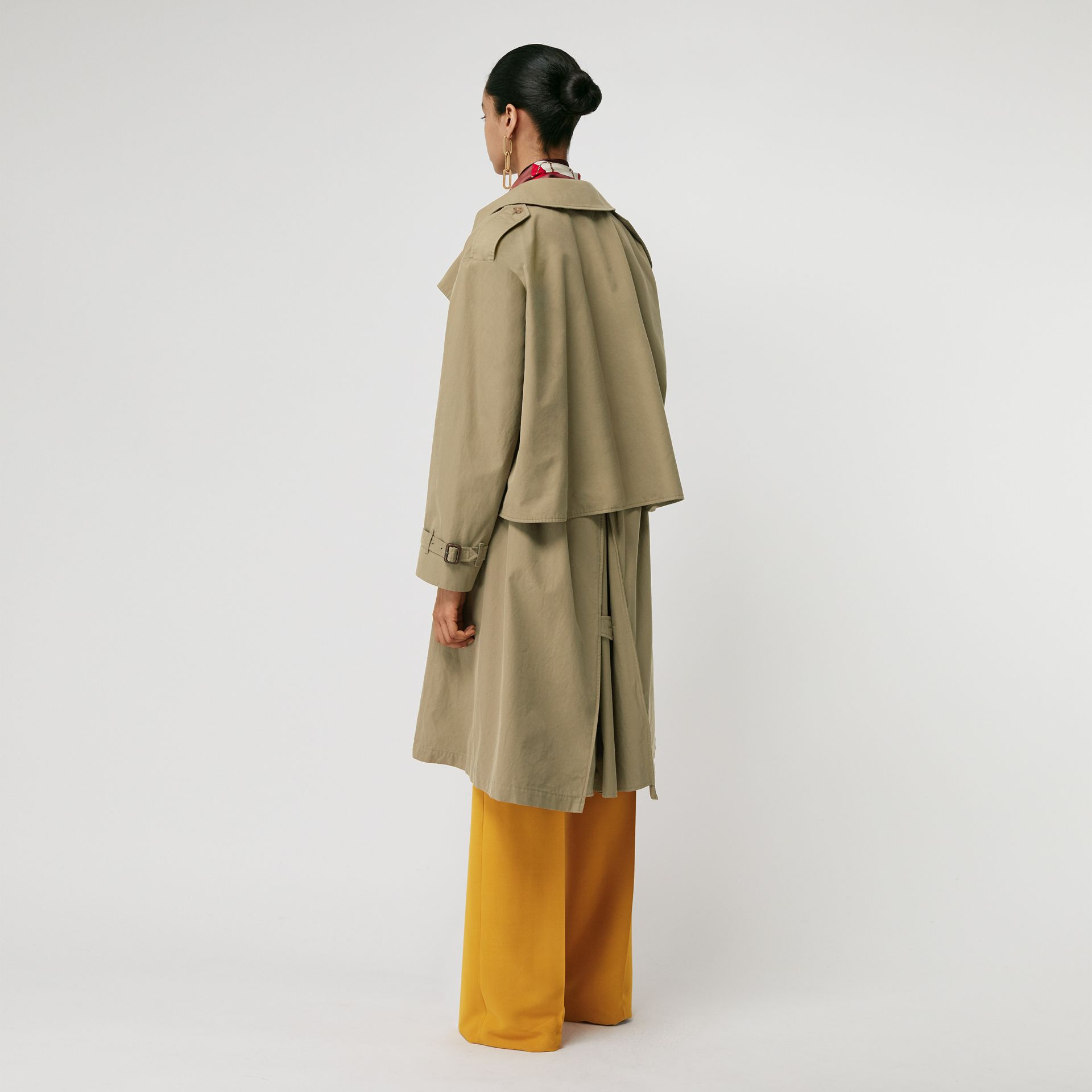 Relaxed Fit Tropical Gabardine Trench Coat in Vintage Green - Women | Burberry United States - gallery image 2