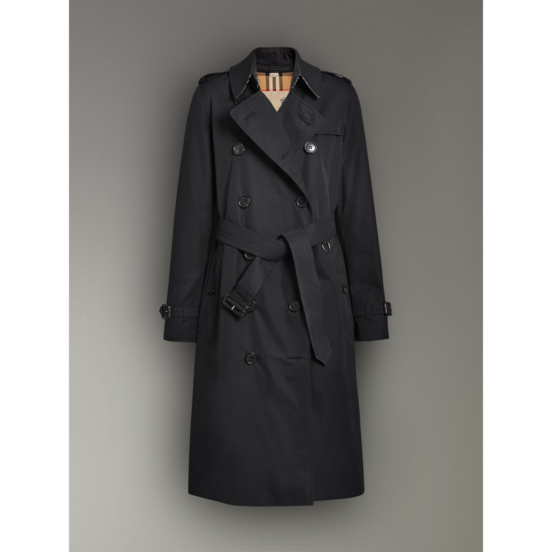 The Long Kensington Heritage Trench Coat in Midnight - Women | Burberry United Kingdom - gallery image 3