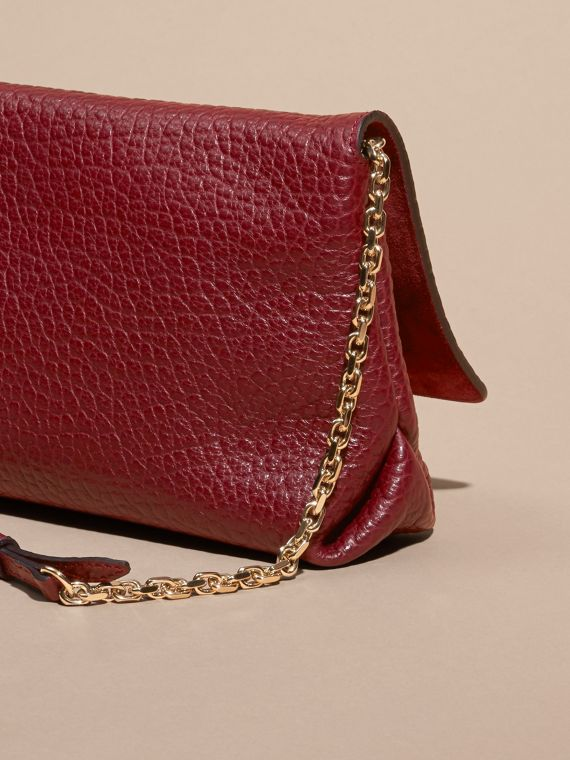 Deep red Medium Signature Grain Leather Clutch Bag Deep Red - cell image 3
