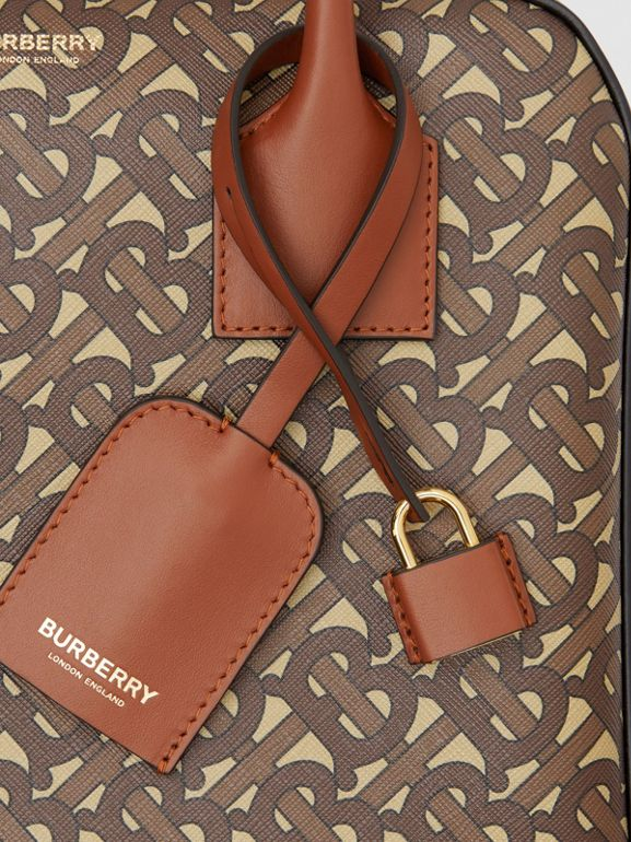 Borsa Cube media in e-canvas con stampa monogramma a righe (Marrone Redini) - Donna | Burberry - cell image 1