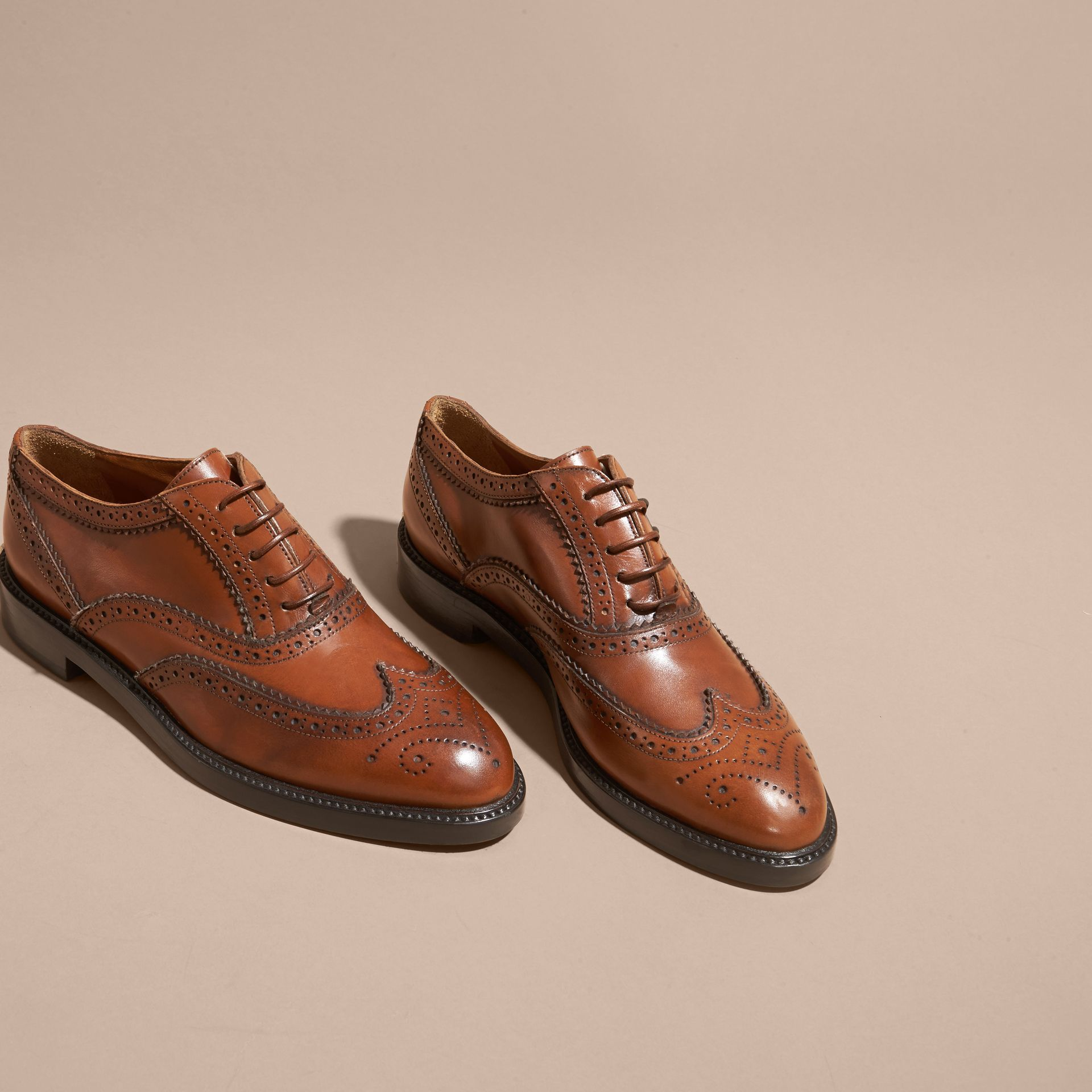 Bright camel Leather Wingtip Brogues Bright Camel - gallery image 3