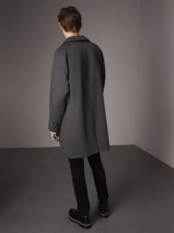 Cappotto car coat in cashmere (Peltro Mélange) - Uomo | Burberry - cell image 2