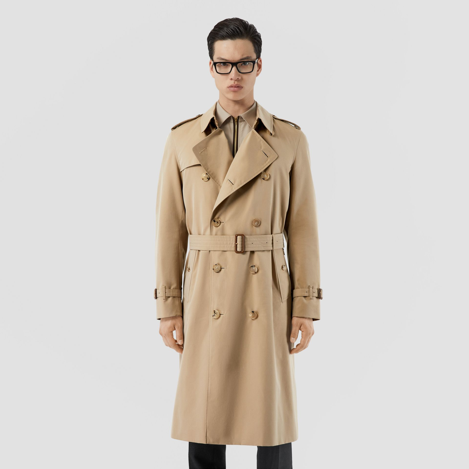The Long Chelsea Heritage Trench Coat in Honey - Men | Burberry United States - gallery image 7