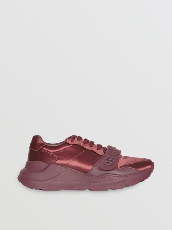 Sneaker in raso (Rosso Violetto)