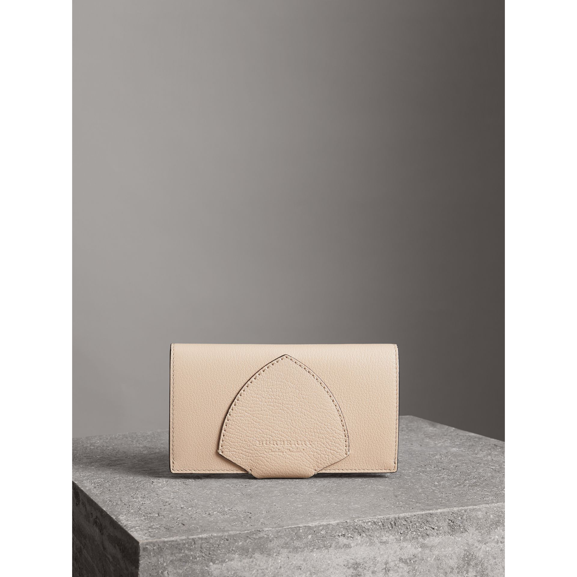 Equestrian Shield Two-tone Leather Continental Wallet in Stone - Women | Burberry Hong Kong - gallery image 5