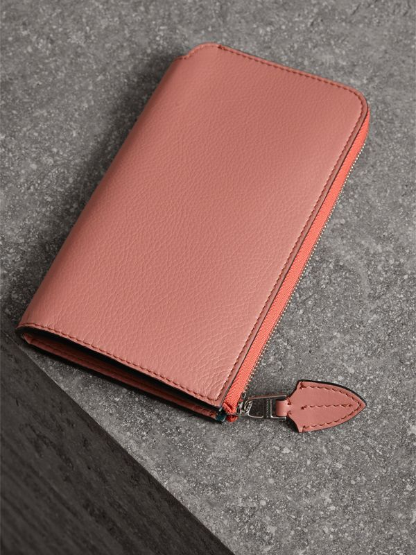 Two-tone Leather Ziparound Wallet and Coin Case in Dusty Rose - Women | Burberry - cell image 2