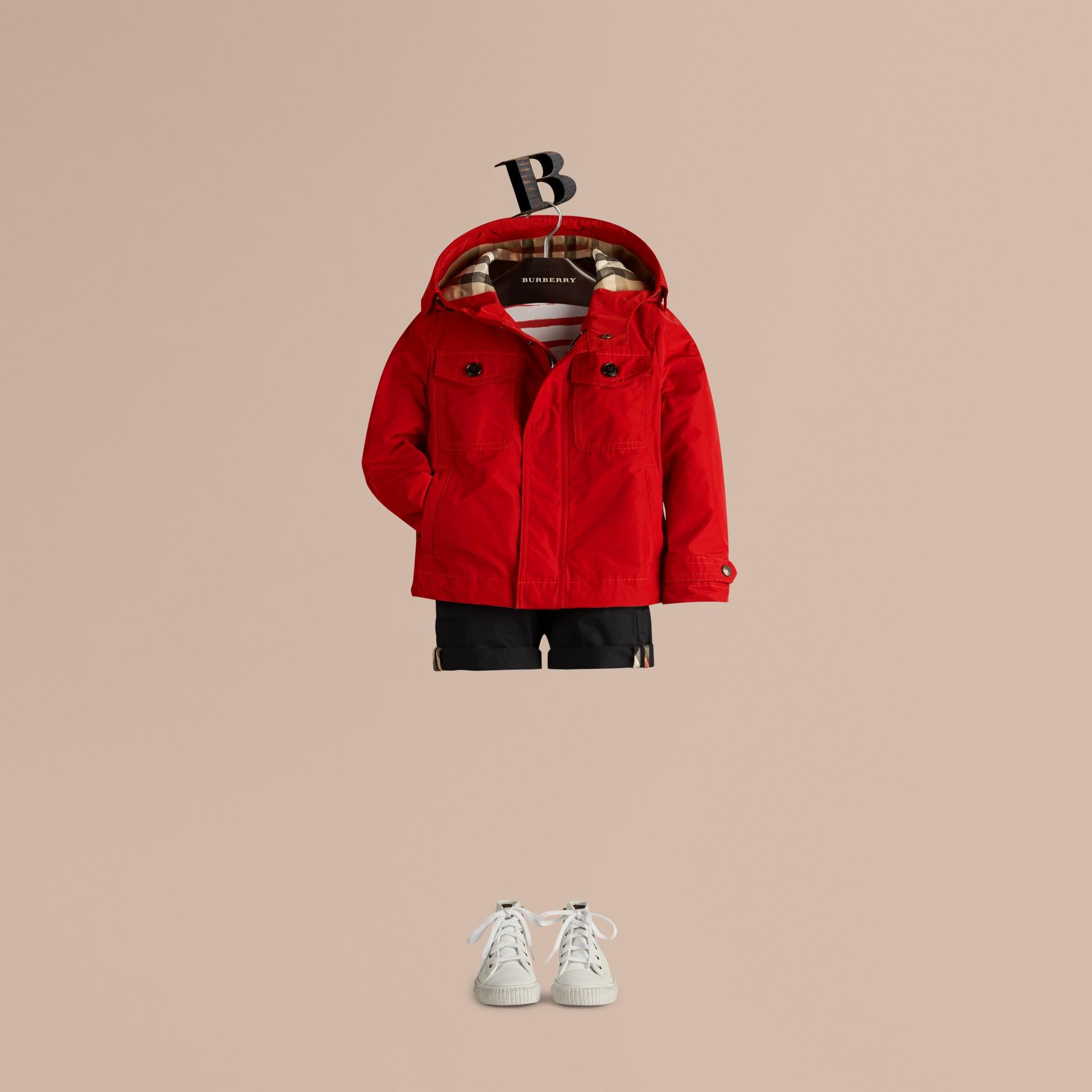 Rosso militare Giacca tecnica packaway con cappuccio Rosso Militare - immagine della galleria 3