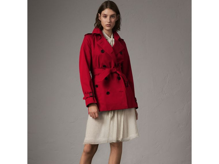 The Kensington – Short Trench Coat in Parade Red - Women | Burberry - cell image 4