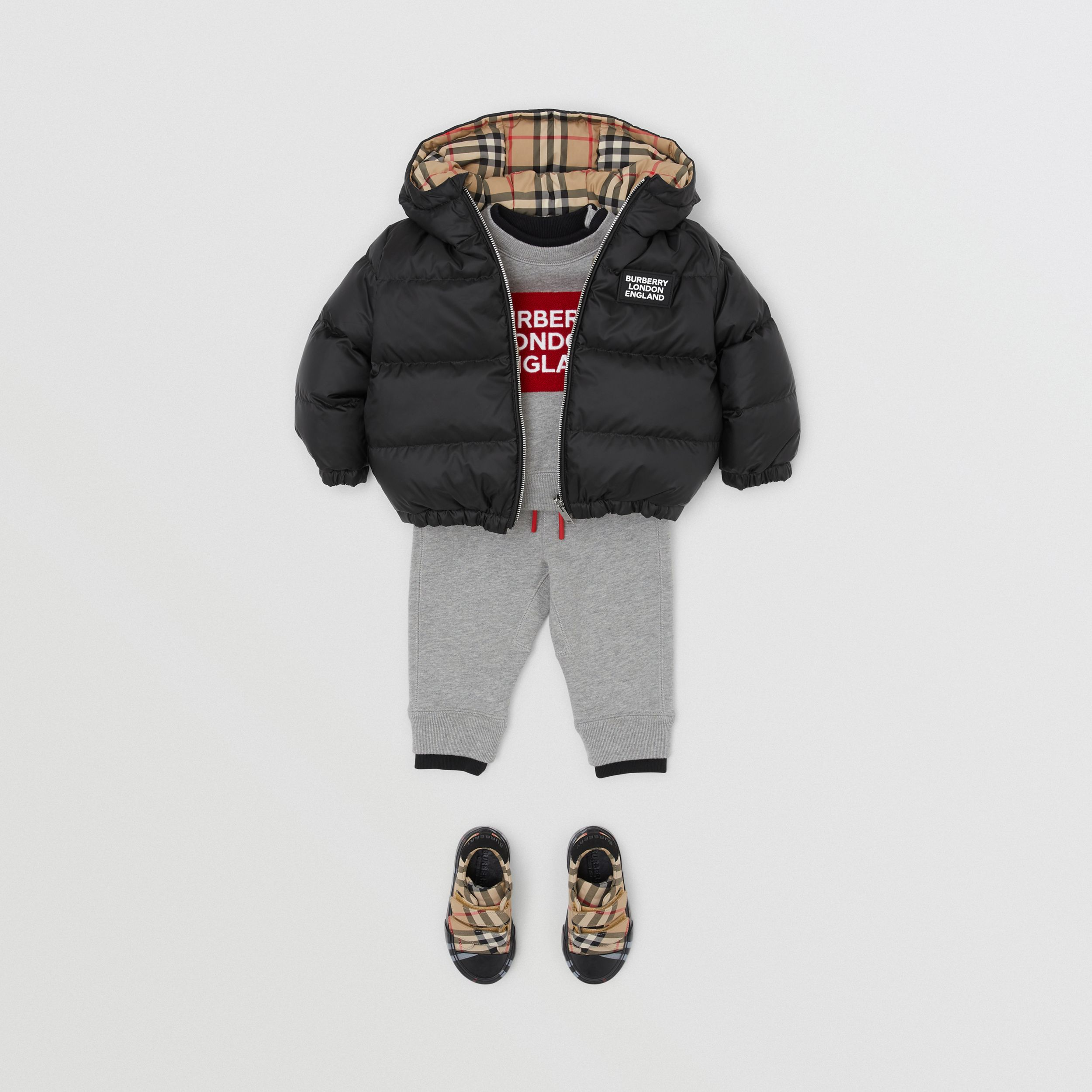 Reversible Vintage Check Down-filled Puffer Jacket in Black - Children | Burberry Hong Kong S.A.R. - 4
