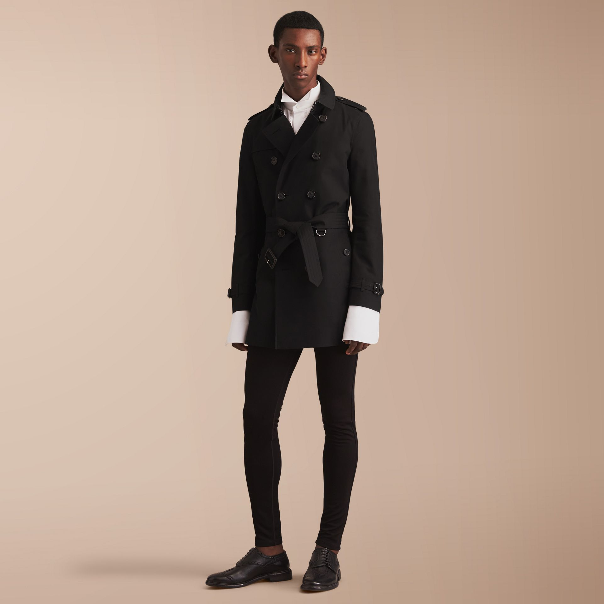 The Chelsea – Mid-length Heritage Trench Coat in Black - Men | Burberry - gallery image 8