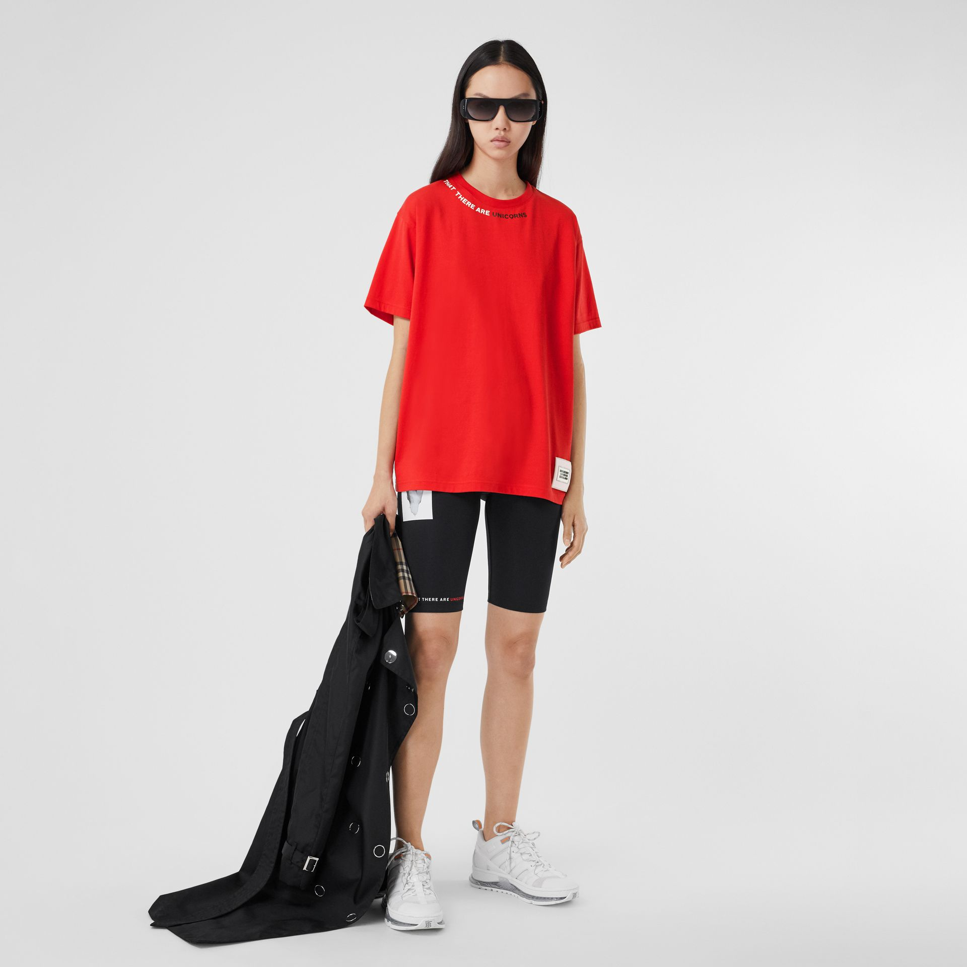 Quote Print Cotton Oversized T-shirt in Bright Red - Women | Burberry - gallery image 0
