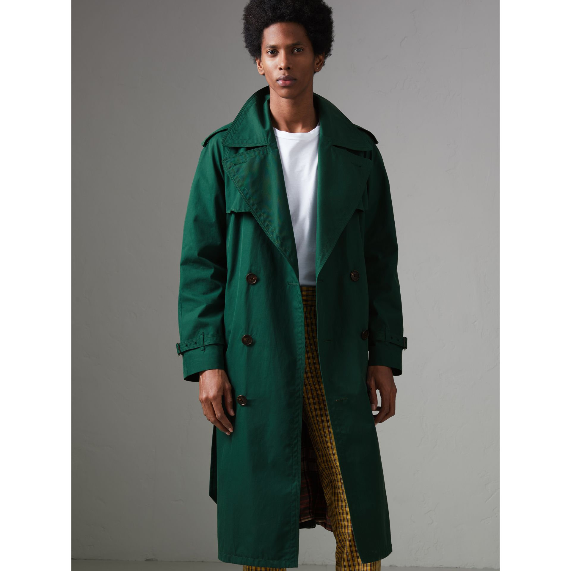Gun-flap Detail Cotton Gabardine Trench Coat in Deep Veridian Green - Men | Burberry United Kingdom - gallery image 5
