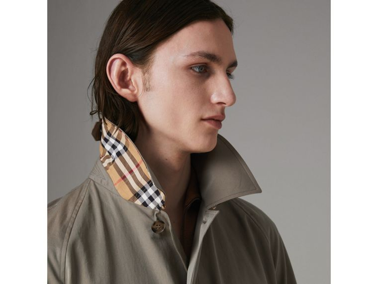 The Brighton Car Coat in Chalk Green - Men | Burberry Hong Kong - cell image 4