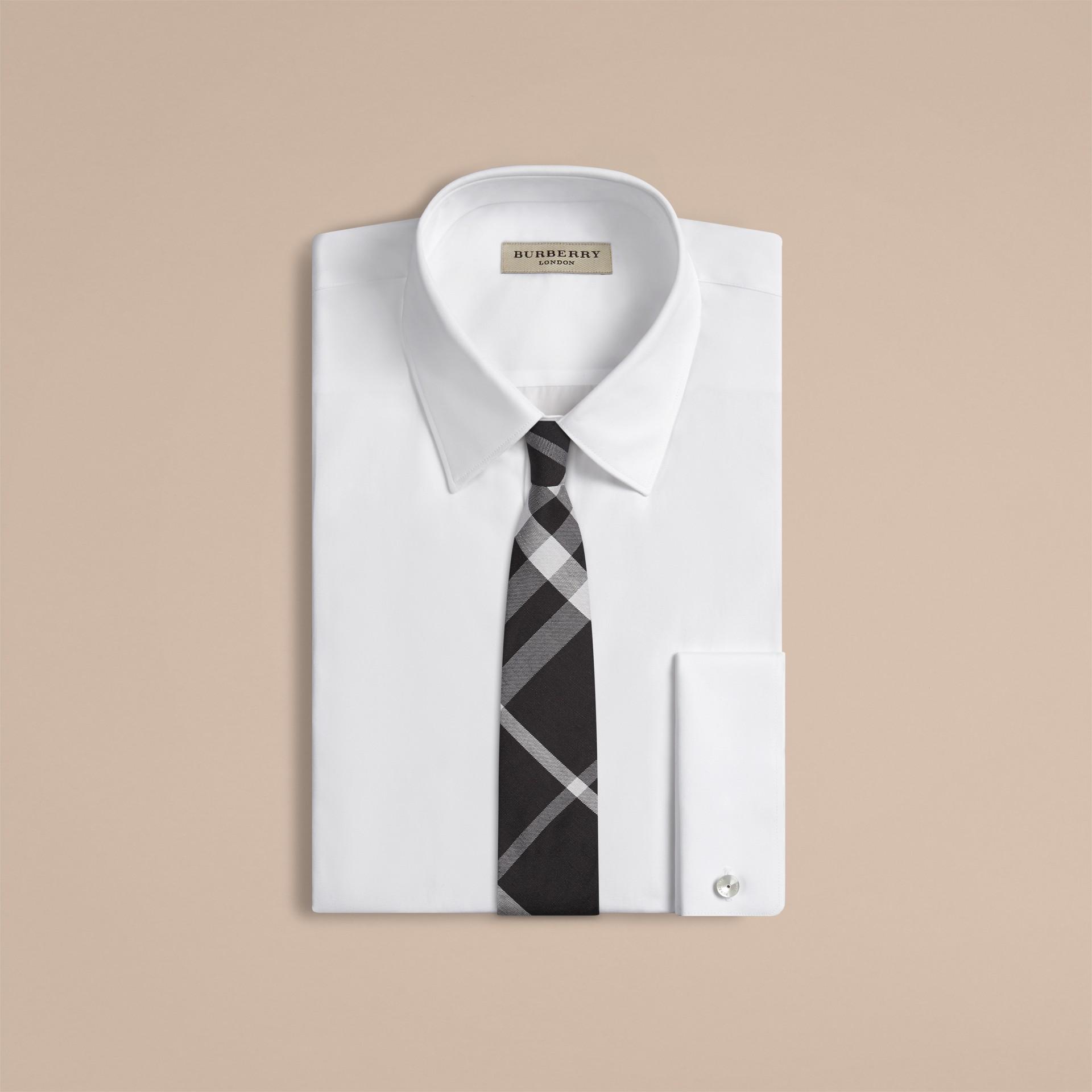 Negro Corbata de pala moderna en seda y lino con checks en jacquard - imagen de la galería 2