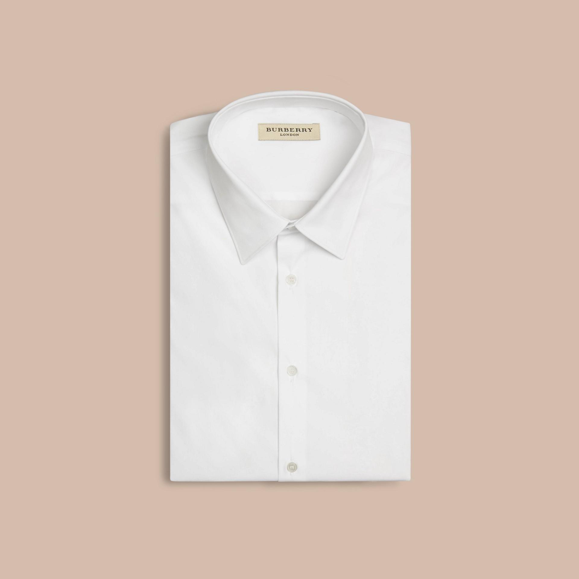Bianco Camicia sfiancata a maniche corte in cotone stretch - immagine della galleria 3