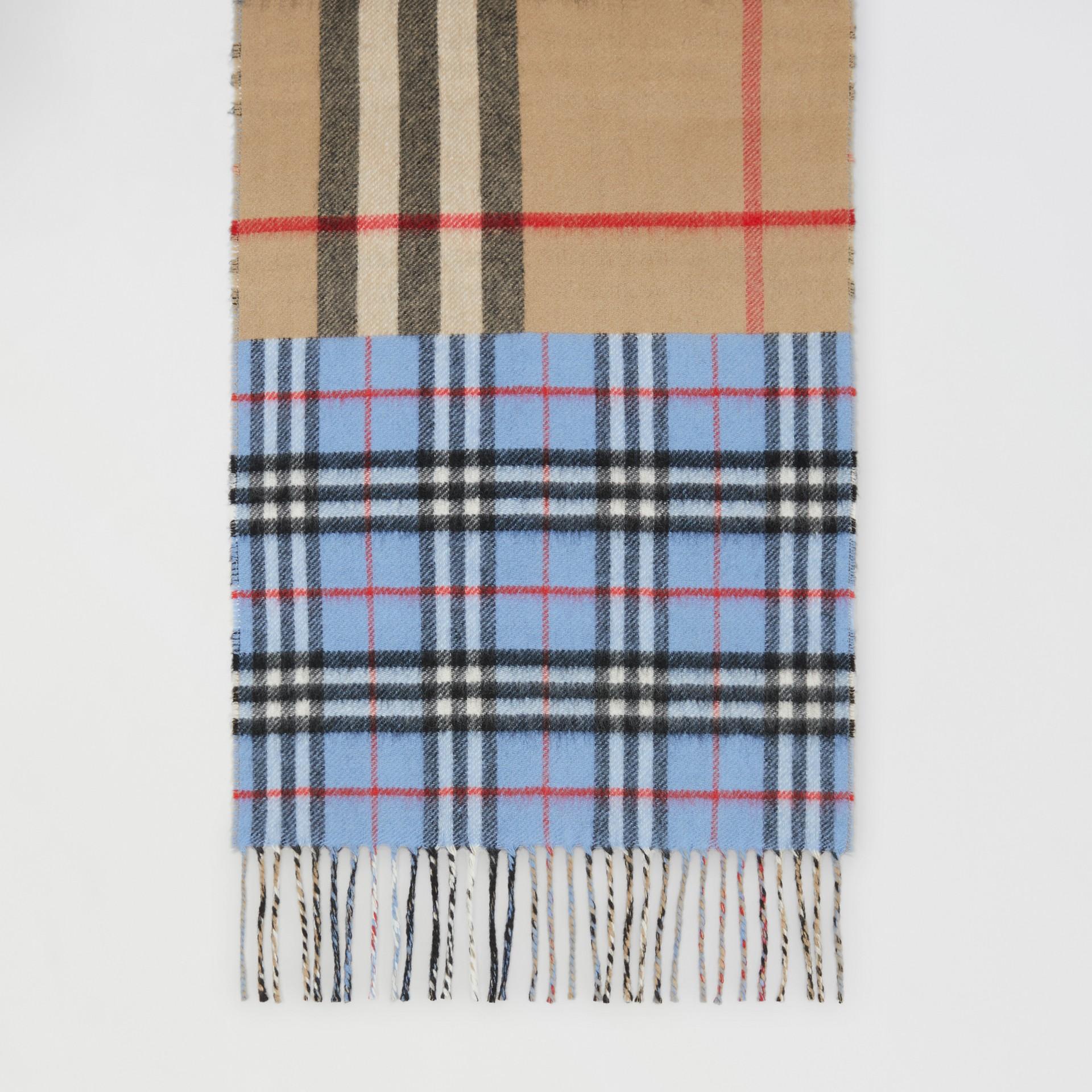 Écharpe en cachemire et laine mérinos check (Bleu Opale) | Burberry Canada - photo de la galerie 4