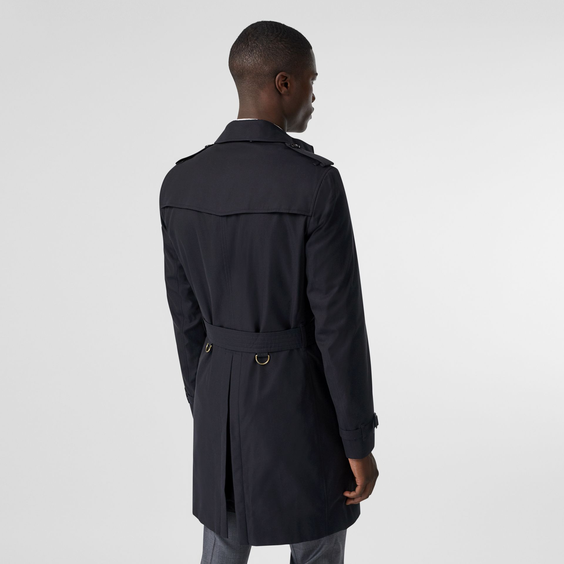 The Chelsea – Long Trench Coat in Navy - Men | Burberry - gallery image 2