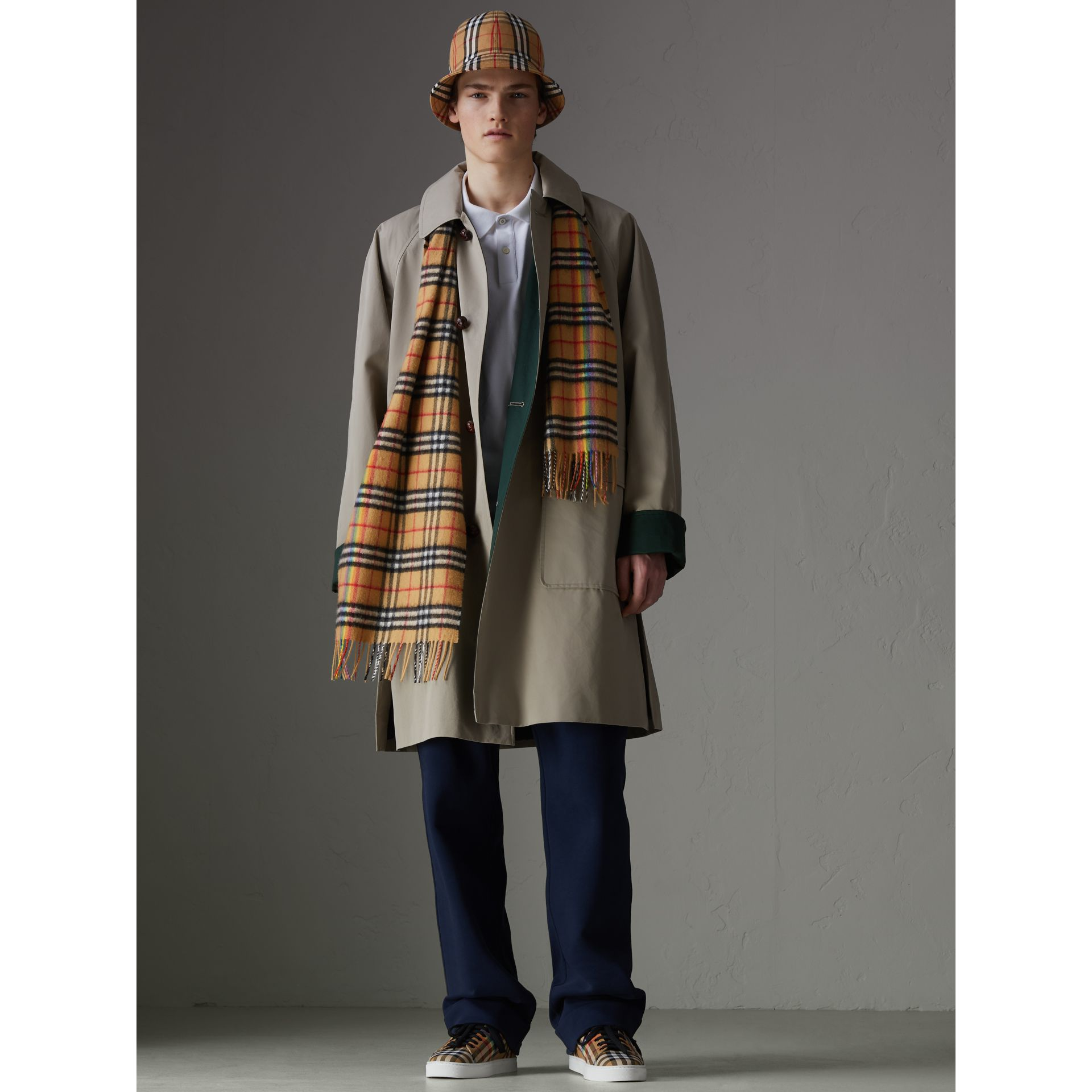 The Classic Rainbow Vintage Check Cashmere Scarf in Antique Yellow | Burberry United Kingdom - gallery image 3