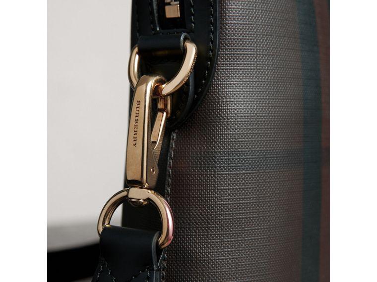 Pasta Barrow slim com estampa London Check (Chocolate/preto) - Homens | Burberry - cell image 1