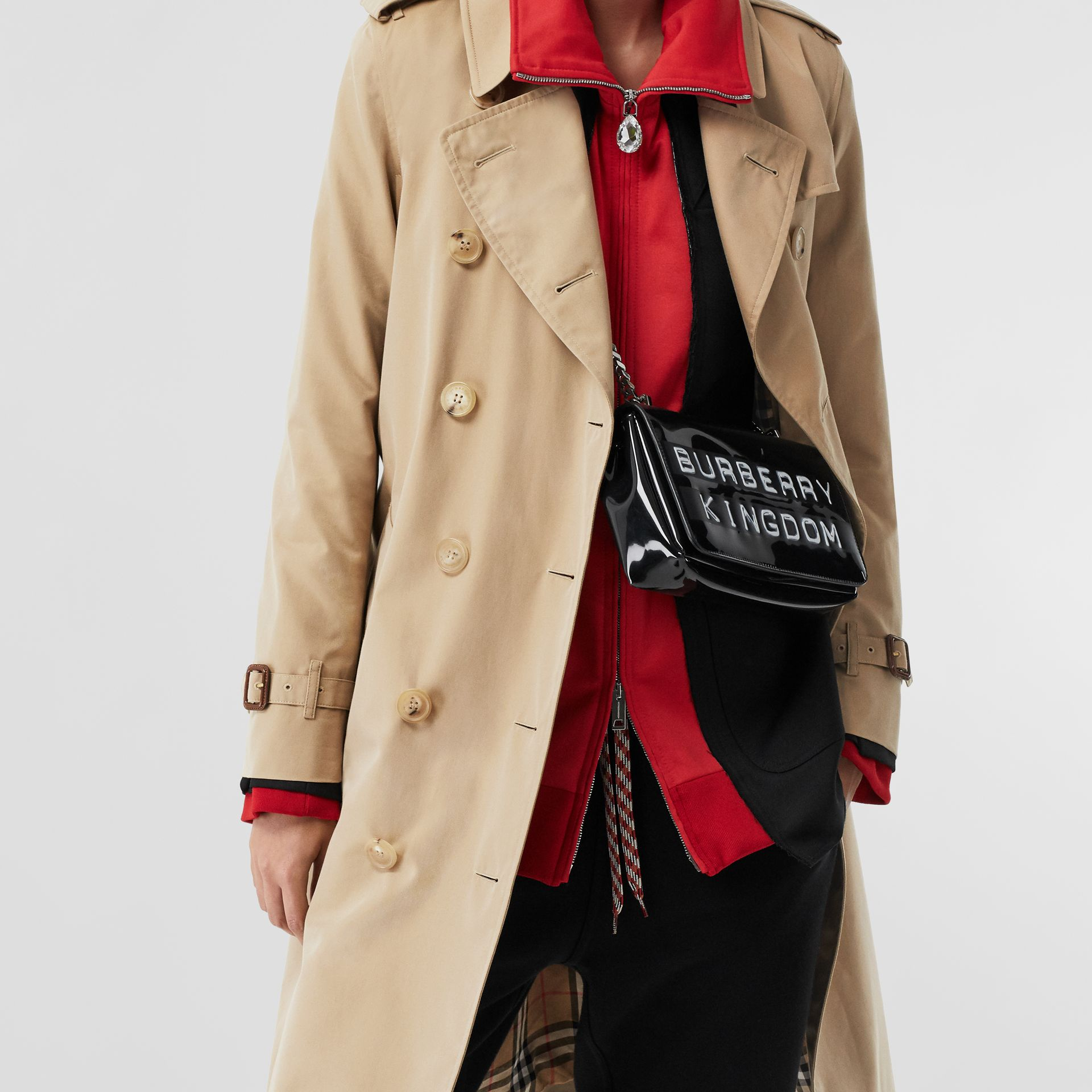 The Long Kensington Heritage Trench Coat in Honey - Women | Burberry United Kingdom - gallery image 10