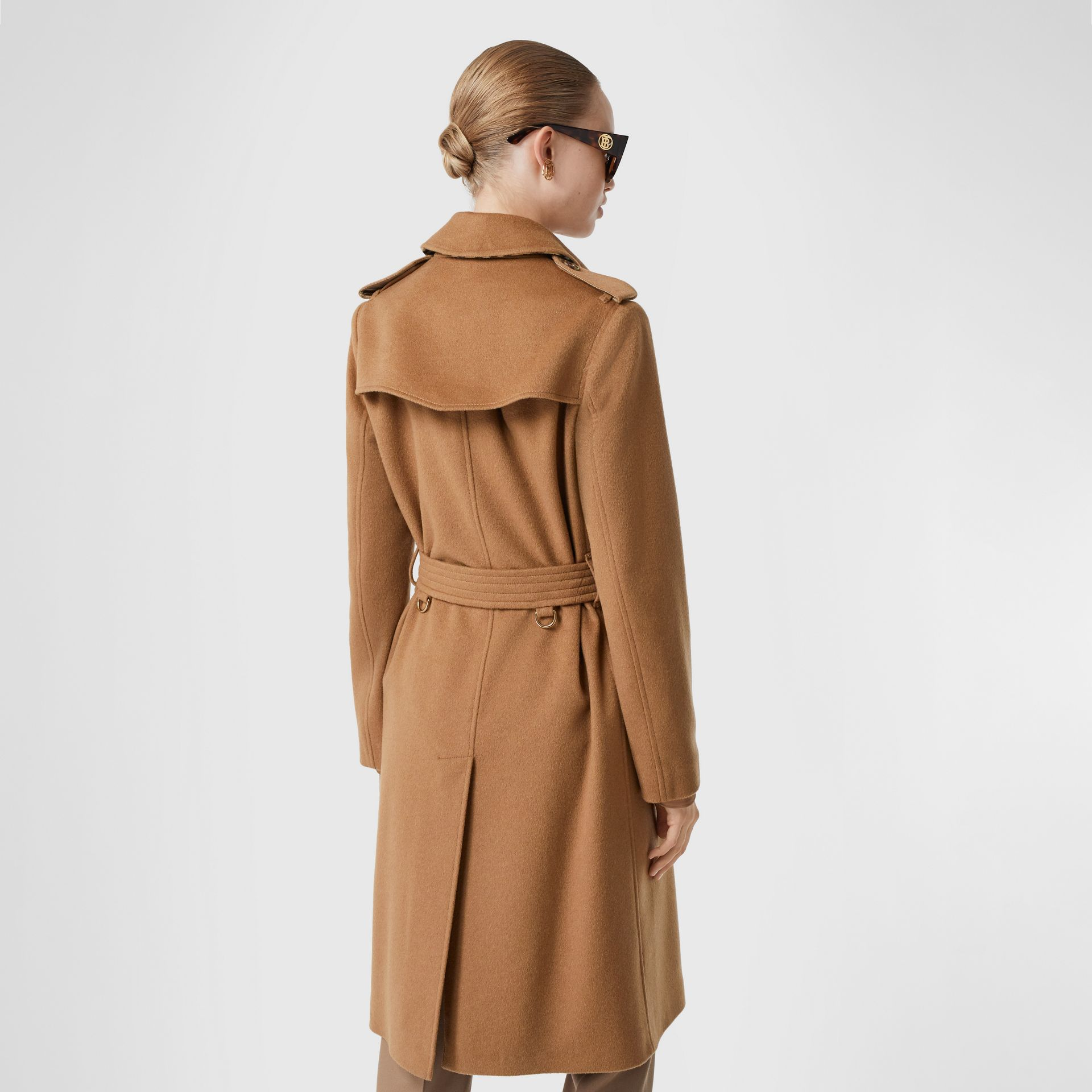 Cashmere Trench Coat in Bronze - Women | Burberry United Kingdom - gallery image 2
