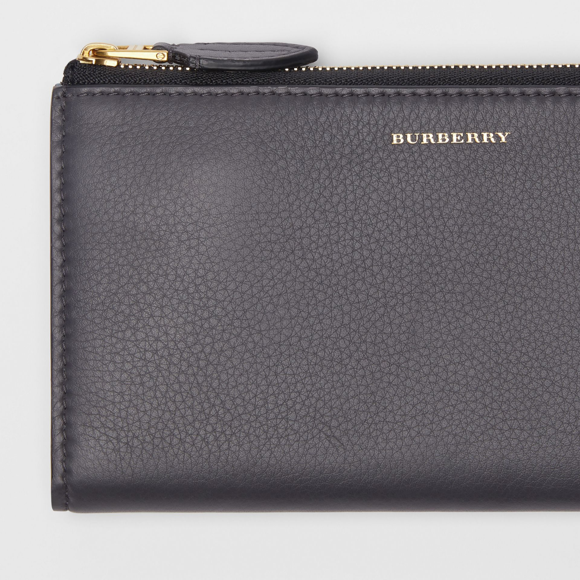 Two-tone Leather Ziparound Wallet and Coin Case in Charcoal Grey - Women | Burberry - gallery image 1