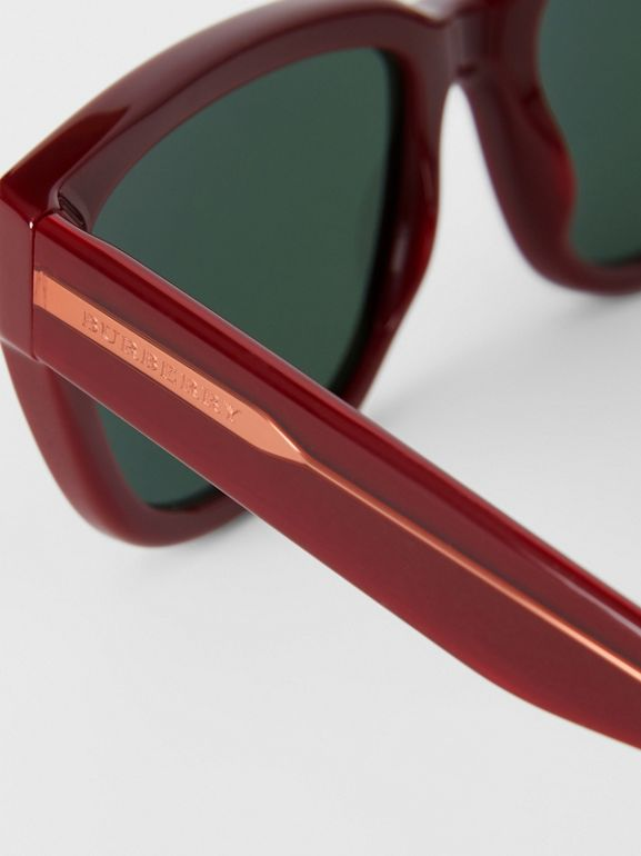 Square Frame Sunglasses in Burgundy - Women | Burberry Hong Kong - cell image 1