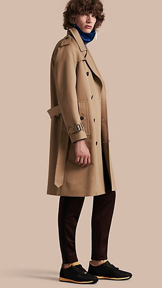 Trench coat in cotone con maniche raglan