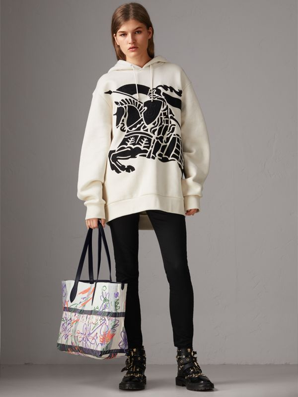 The Medium Reversible Doodle Tote in White/black - Women | Burberry - cell image 2
