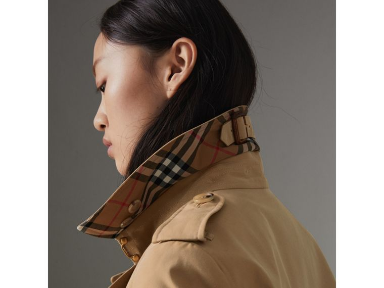 The Chelsea Heritage Trench Coat in Honey - Women | Burberry - cell image 1