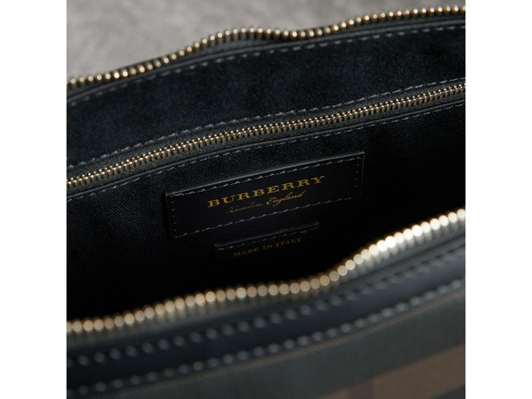 Pasta Barrow slim com estampa London Check (Chocolate/preto) - Homens | Burberry - cell image 4