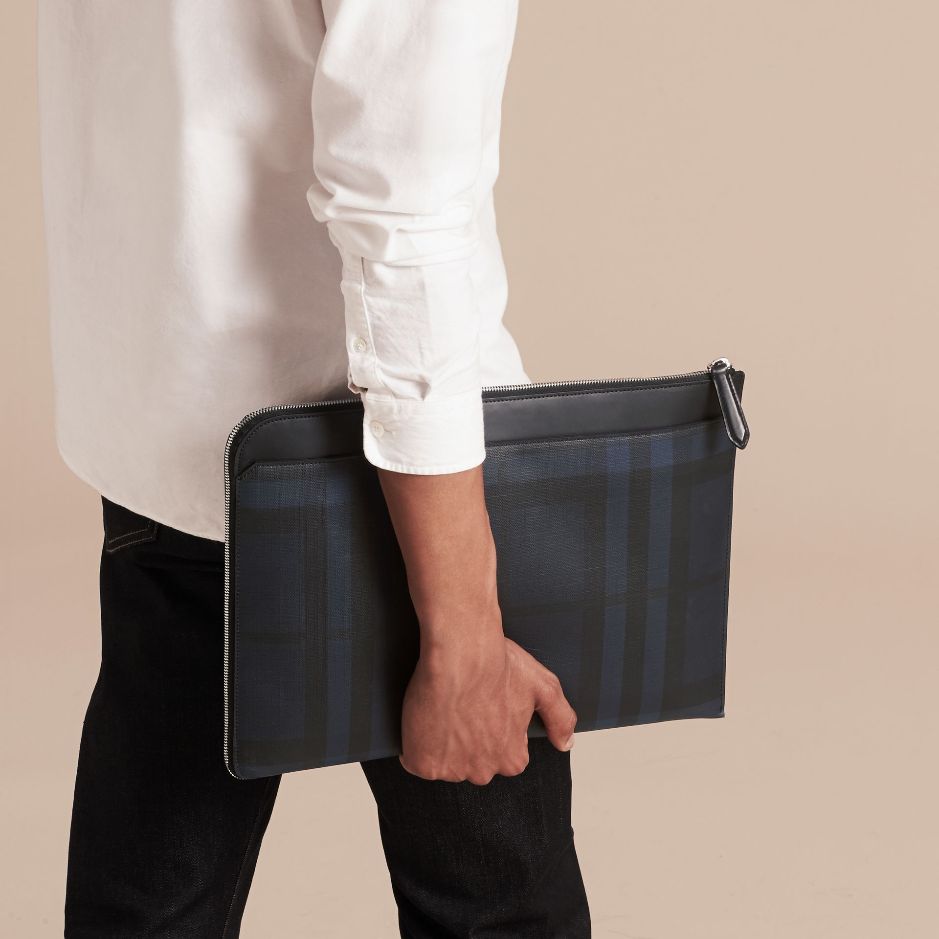 London Check Document Case in Navy/black - gallery image 3