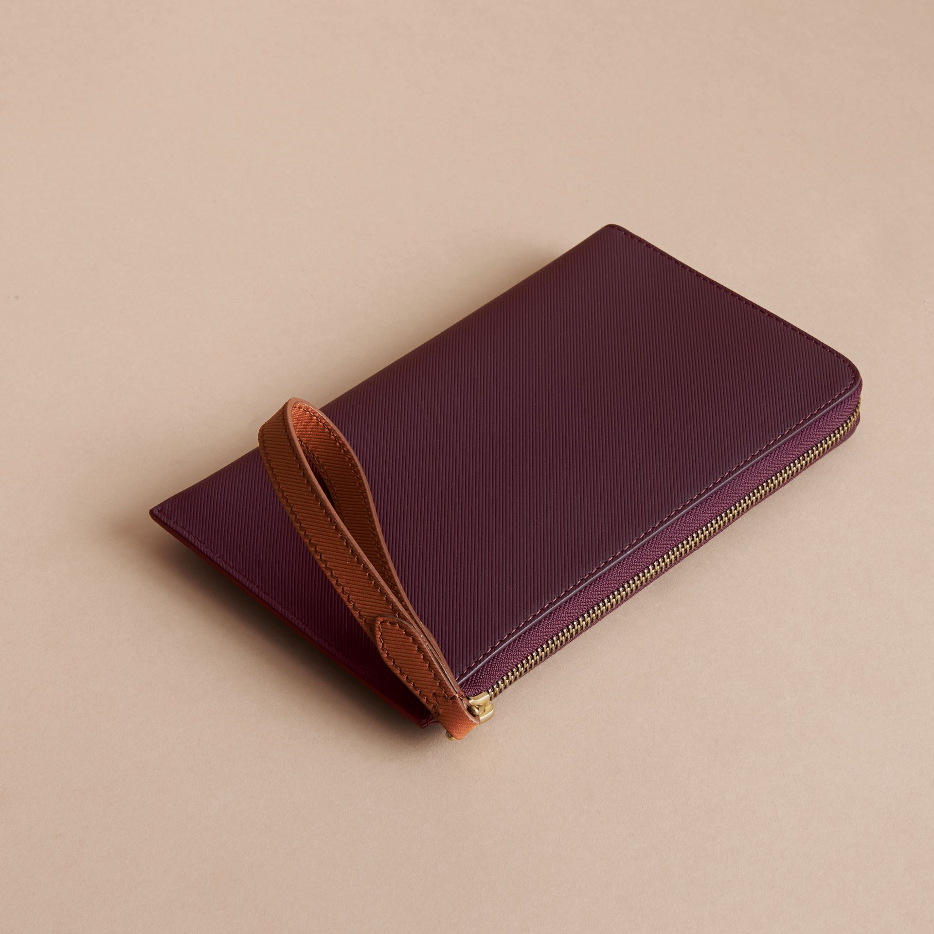 Two-tone Trench Leather Travel Wallet in Wine - Men | Burberry - gallery image 3