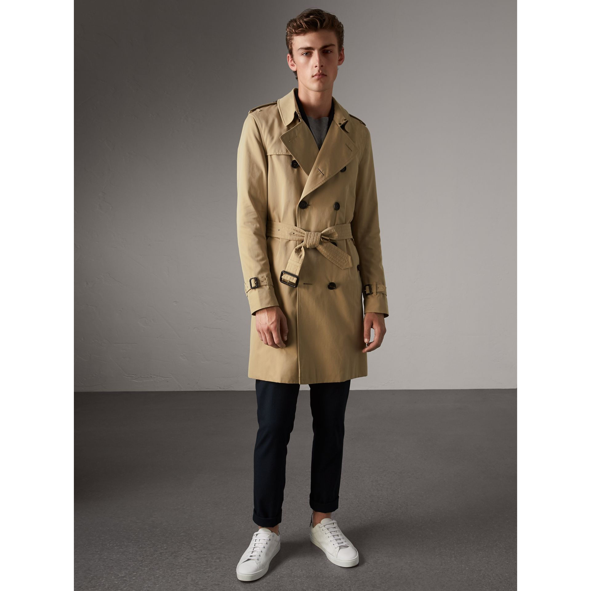 The Sandringham – Long Trench Coat in Honey - Men | Burberry - gallery image 7