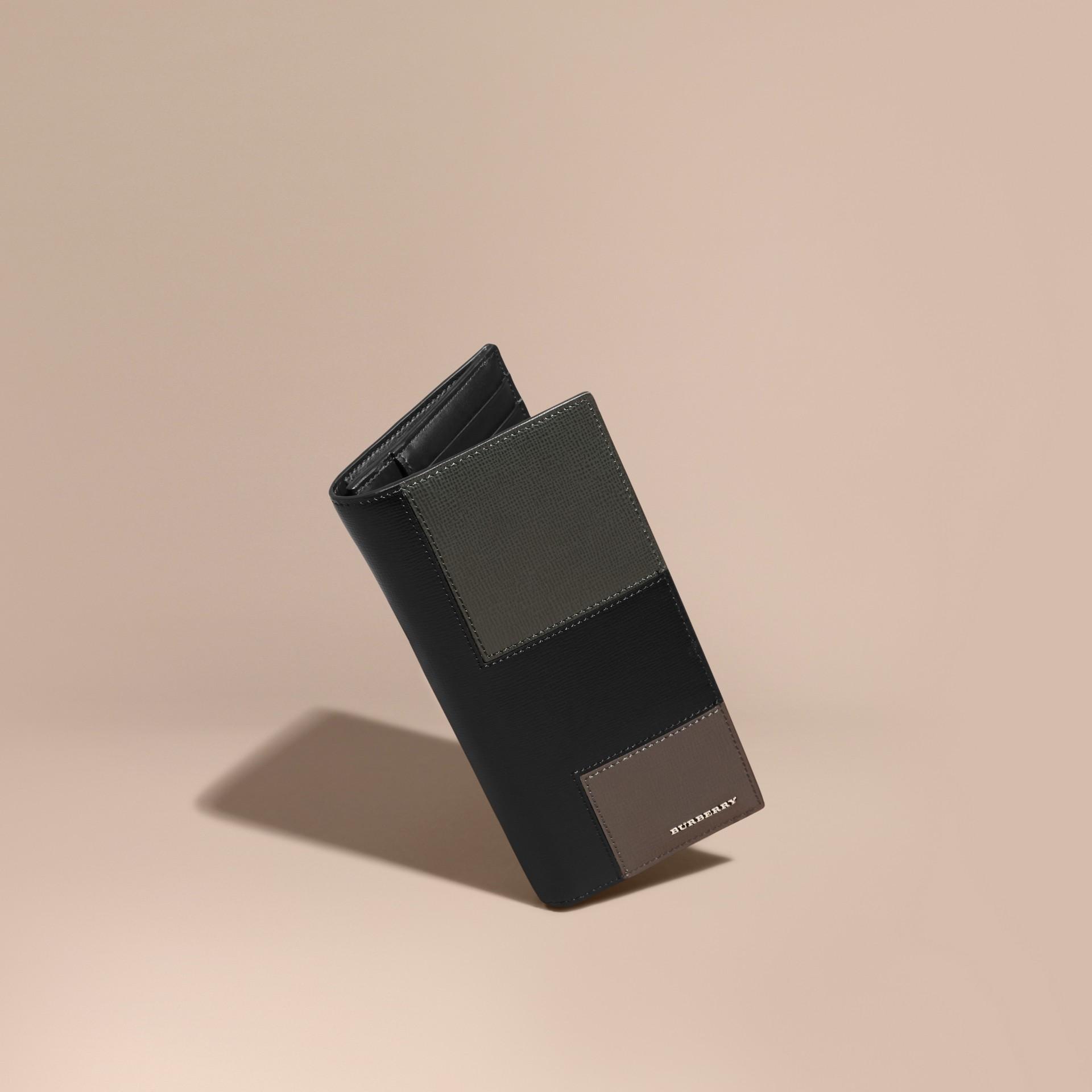 Nero Portafoglio continental in patchwork di pelle London Nero - immagine della galleria 1