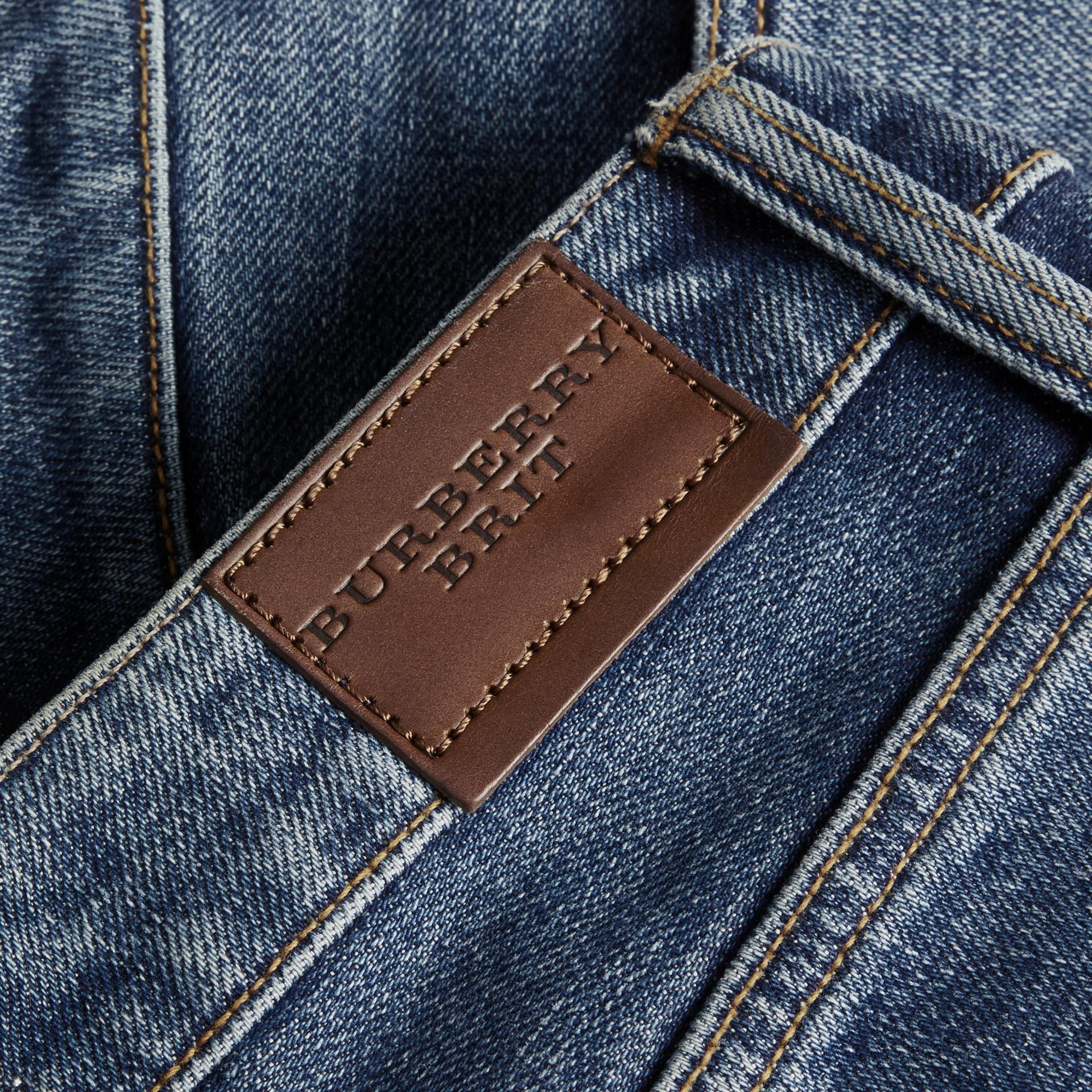 Средний индиго Джинсовые шорты с низкой посадкой - изображение 2