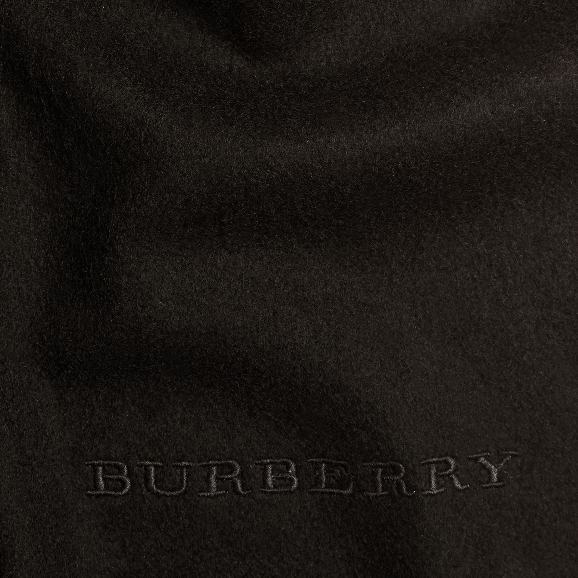 The Classic Cashmere Scarf in Black - gallery image 5
