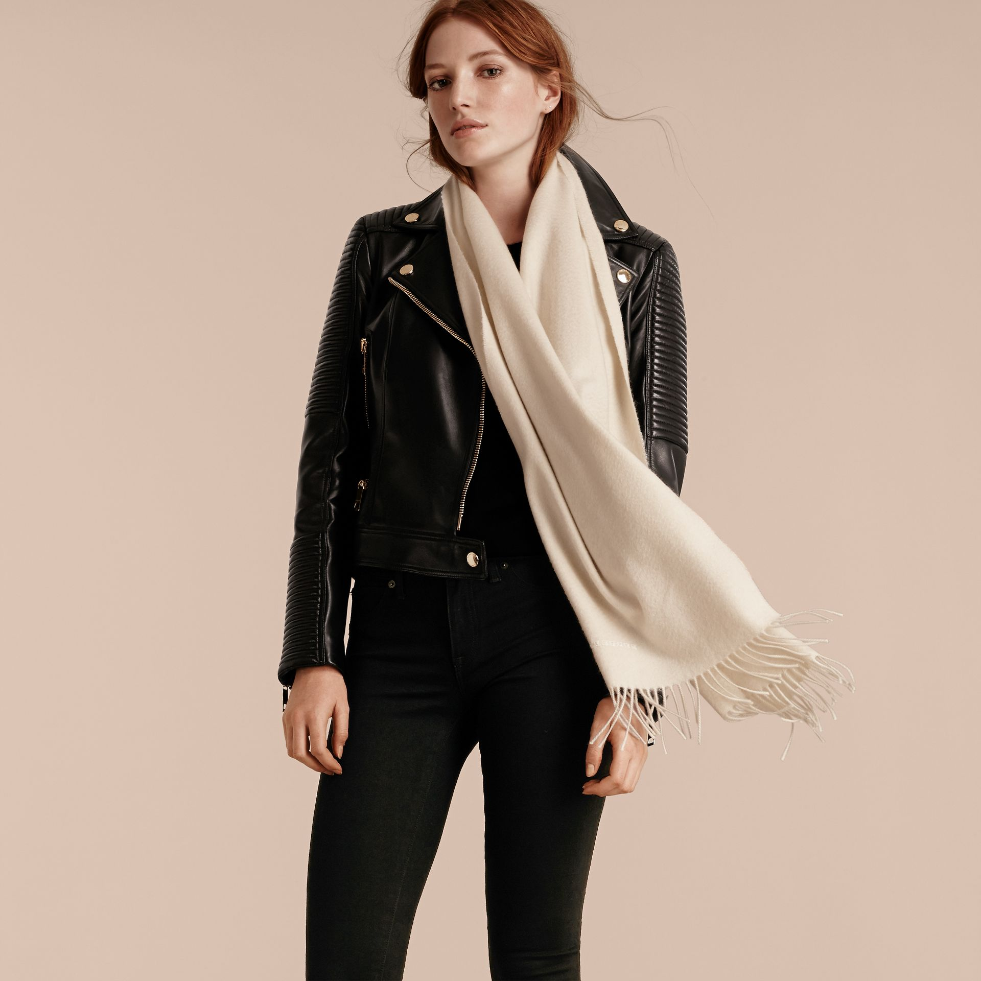 The Classic Cashmere Scarf in Natural White | Burberry - gallery image 3